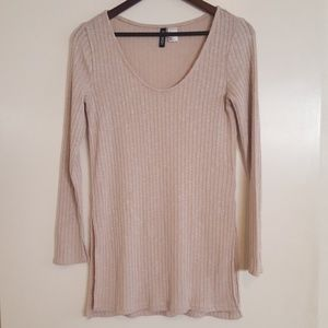 H&M beige sweater with side slits